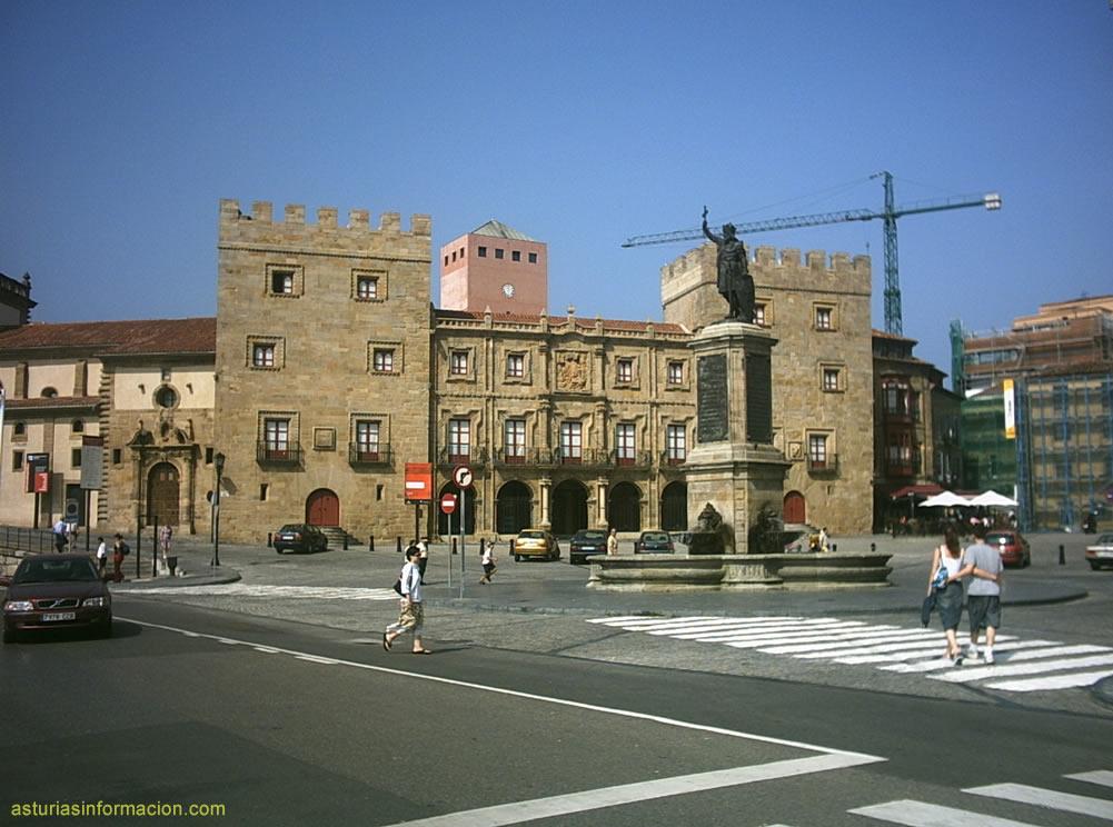 Fotos de gij n asturias for Oficinas de la caixa en gijon