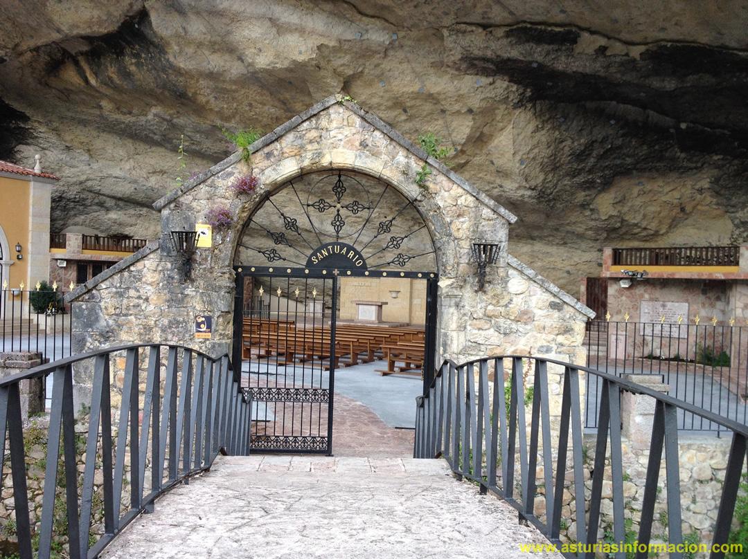 Entrada Santuario Virgen de la Cueva