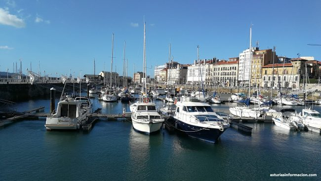 Fotos del Puerto Deportivo de Gijón